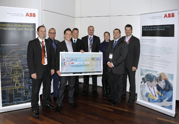 2011_11_ABB_Freelance_Forum_Spendenscheck1